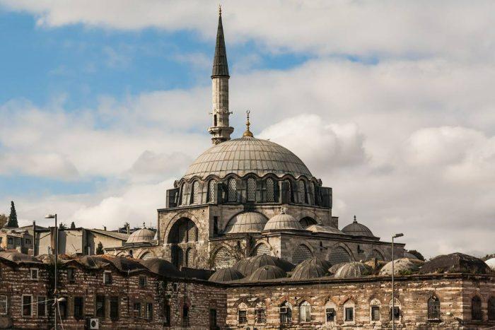 مسجد رستم باشا التاريخي