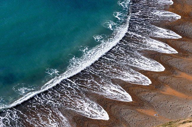 شاطئ أمواج البحر