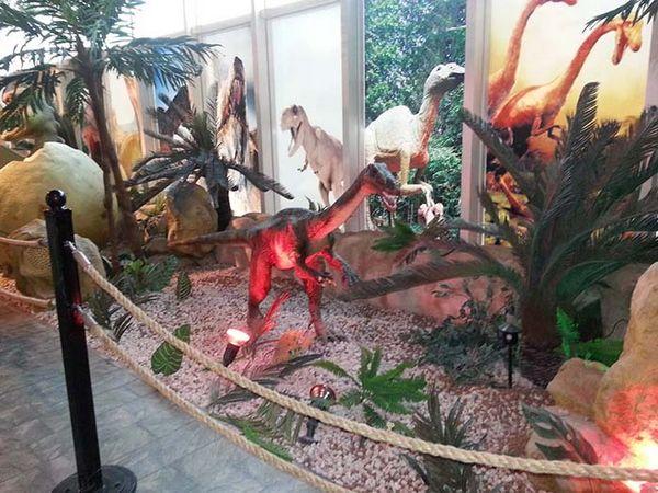 مجسمات الديناصورات