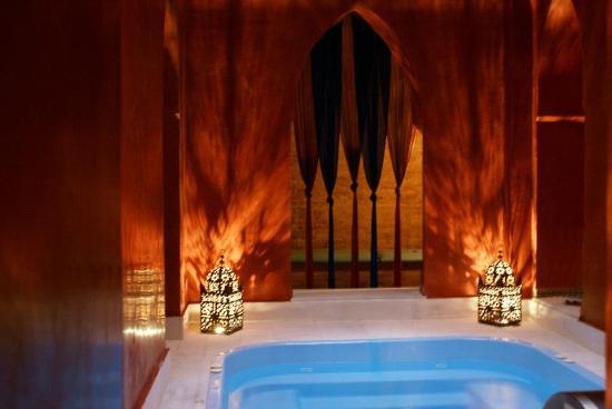 Elvira Traditional Baths