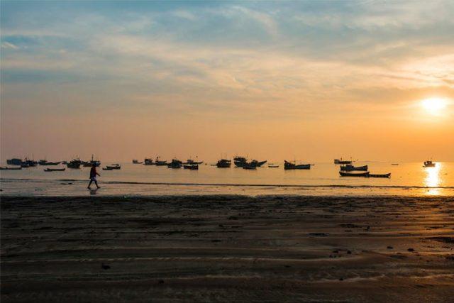 Uttan Beach Mumbai