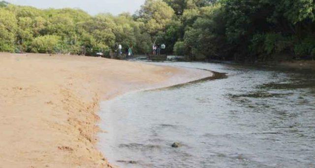 aksa beach mumbai