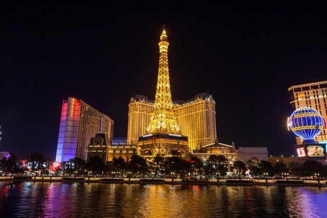 فندق باريس وبرج إيفل