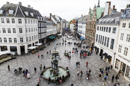 شارع التسوق Strøget- السياحة في كوبنهاجن