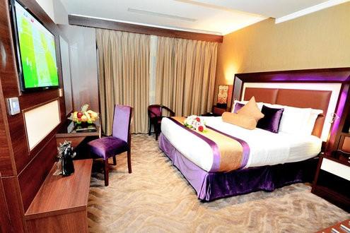 فندق جولدن بوجاري فنادق الخبر بمسبح خاص