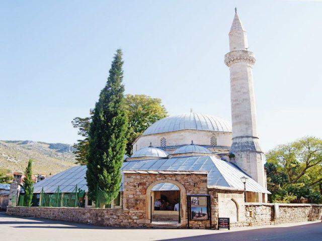 Karađoz Beg Mosque