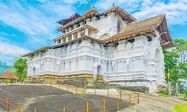Lankatilaka Vihara Temple