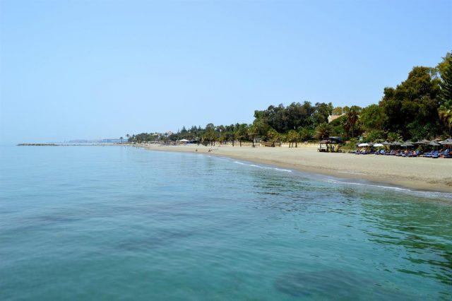 Playa Nagüeles beach marbella spain