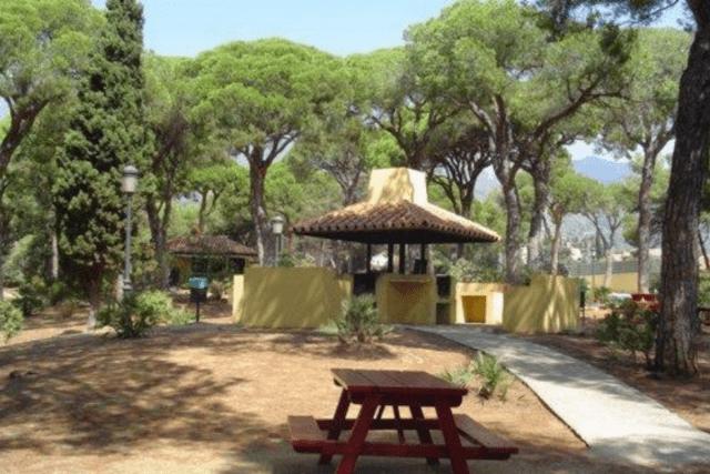 vigil de quiñones park marbella spain