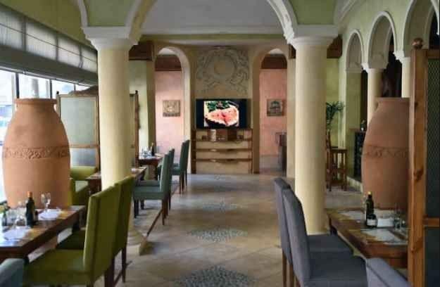 مطعم البيت الصقلي قرية الدغيثر السياحية