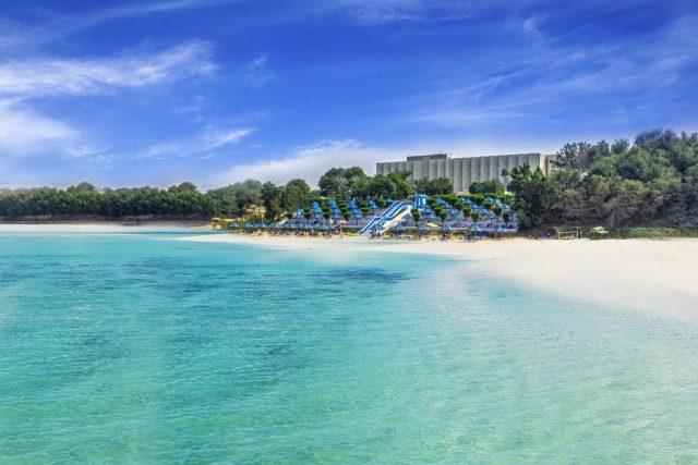 فندق BM Beach Hotel