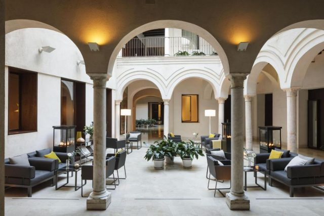 فنادق اشبيليه