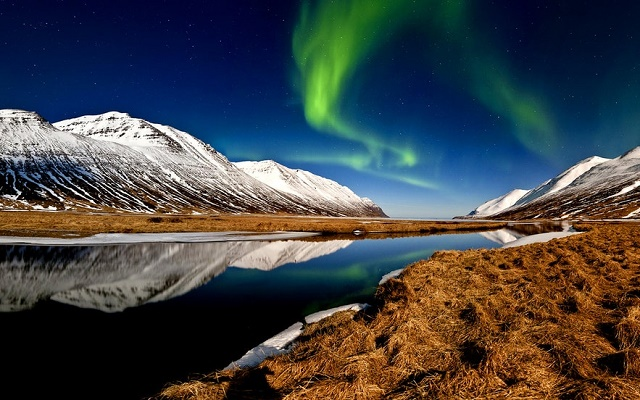 افضل وقت للسفر الى ايسلندا