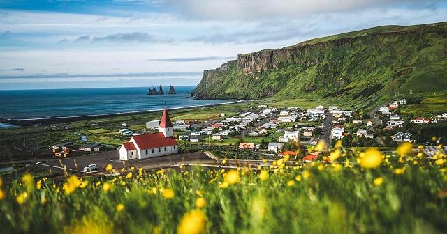 قرية فيك ايسلندا