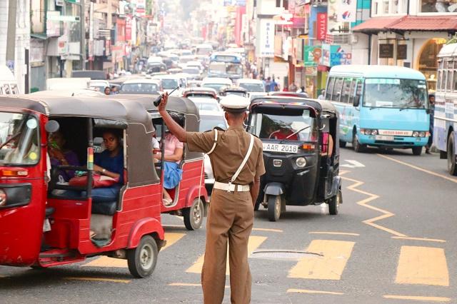المواصلات في سريلانكا