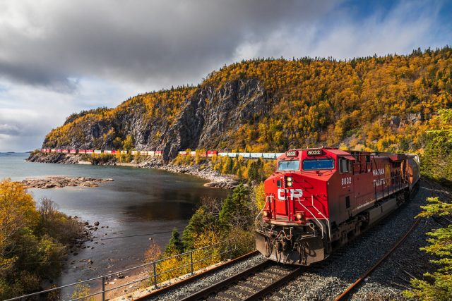 القطارات في كندا