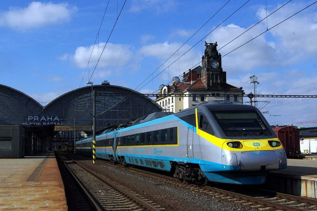 وسائل التنقل والمواصلات في التشيك